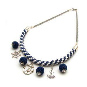 Matrózlány – kék-fehérben